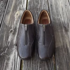 Lady's Zip-Up Leather Naturalizer Shoes - 6M NIce!